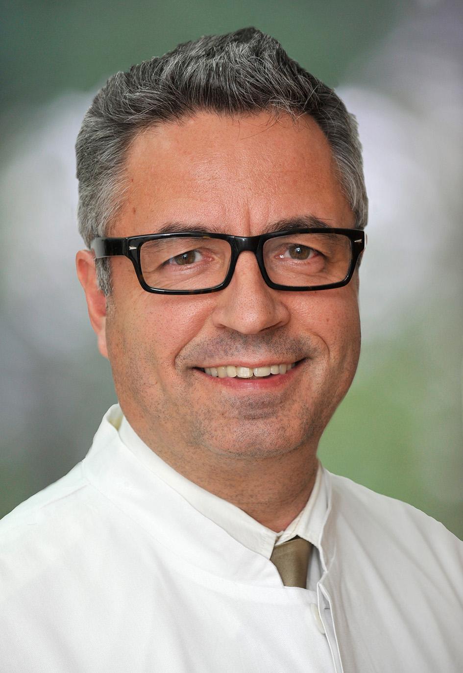 Dr. Stefan Wilhelms