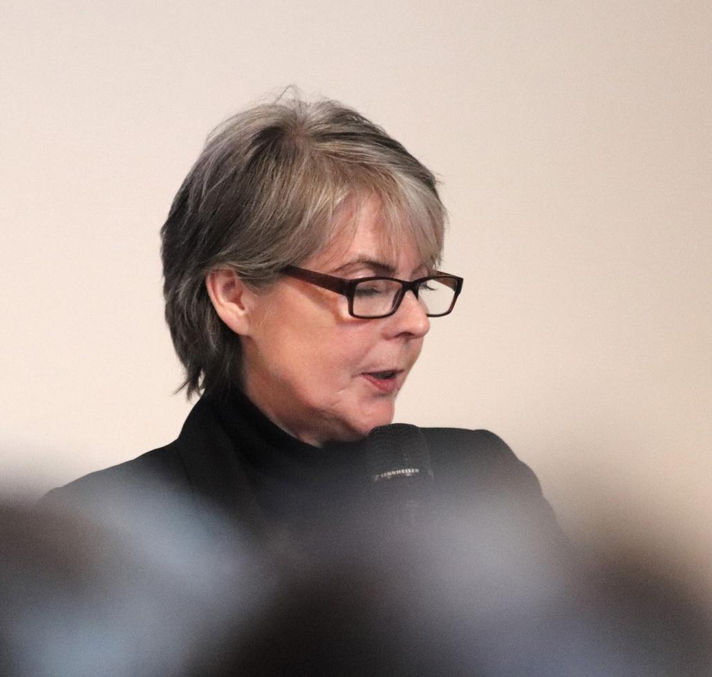 Angela Hasse